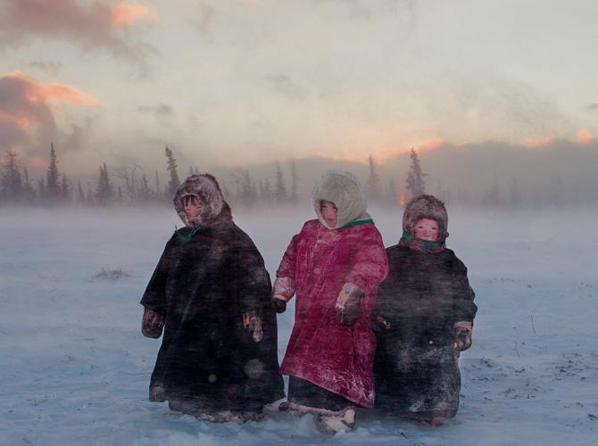 1212-reindeer-herder-children-russia-670