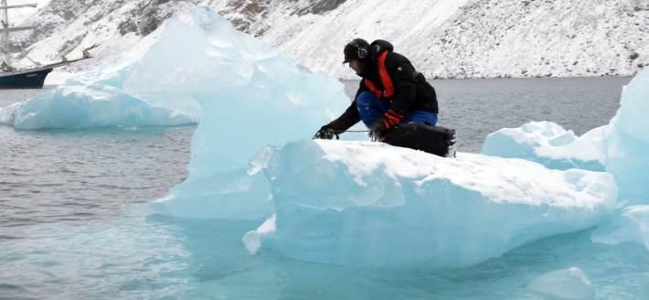 recording-on-iceberg-fragment1
