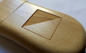 USB symbol side